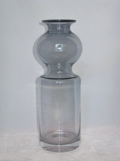 Scandinavian Modern Glass Vase Nanny Still Riihimaen Finland-Smoke Grey