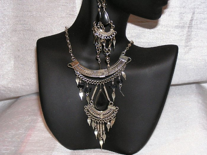 PERU ALPACA SILVER and ONYX NECKLACE and EARRINGS