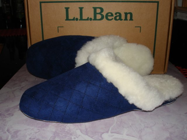 $19.99 New-L.L. LL Bean Women Genuine Shearling Scuff Slipper with Pouch