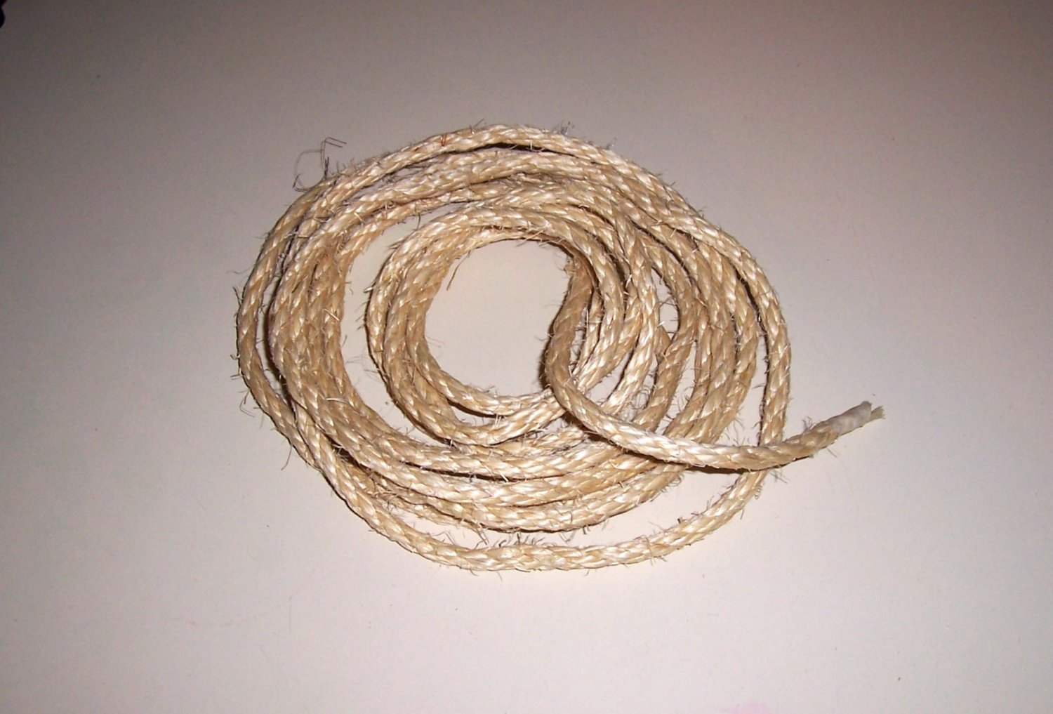 "1/4"" SISAL Rope Unoiled & Natural bird toy parts 20'"