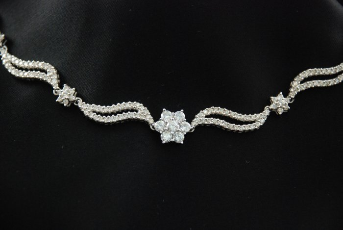Elegant Diamond Flower Swirls Necklace Pave 18K