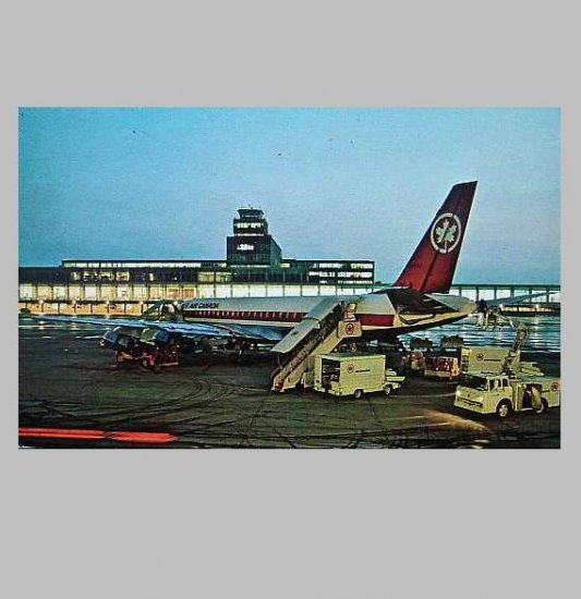 VINTAGE AIR CANADA DC 8 MONTREAL AIRPORT POSTCARD