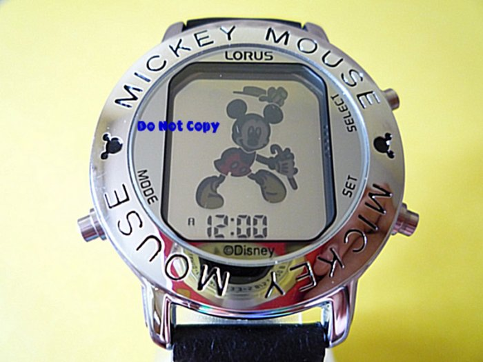 NIB Mens Disney Mickey Mouse Dancing Musical Silver Watch