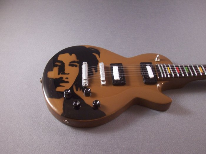 BOB MARLEY Mini Guitar ONE LOVE Collectible Gift