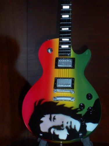 BOB MARLEY Mini Guitar 'PORTRAIT' Memorabilia Collectible Gift