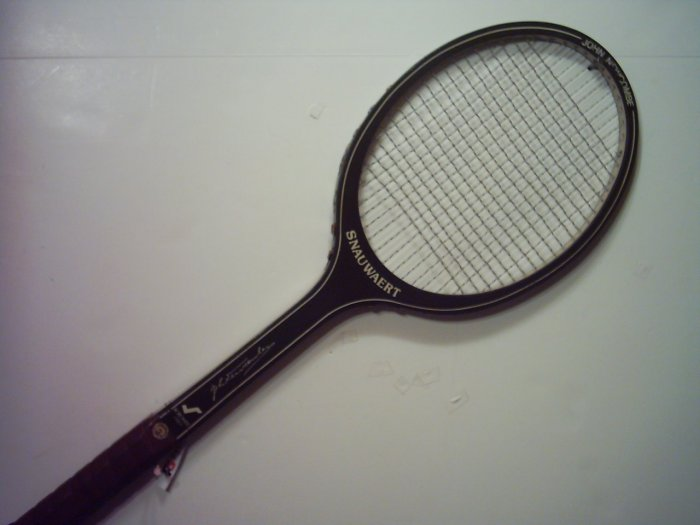 Snauwaert  Boronite Two John Newcombe Vintage Tennis Racquet 4 5/8 L with cover (SNAG03)