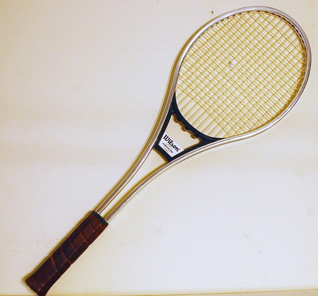 Wilson World Class Vintage Tennis Racquet 4 1/2 L (SN WIS18)