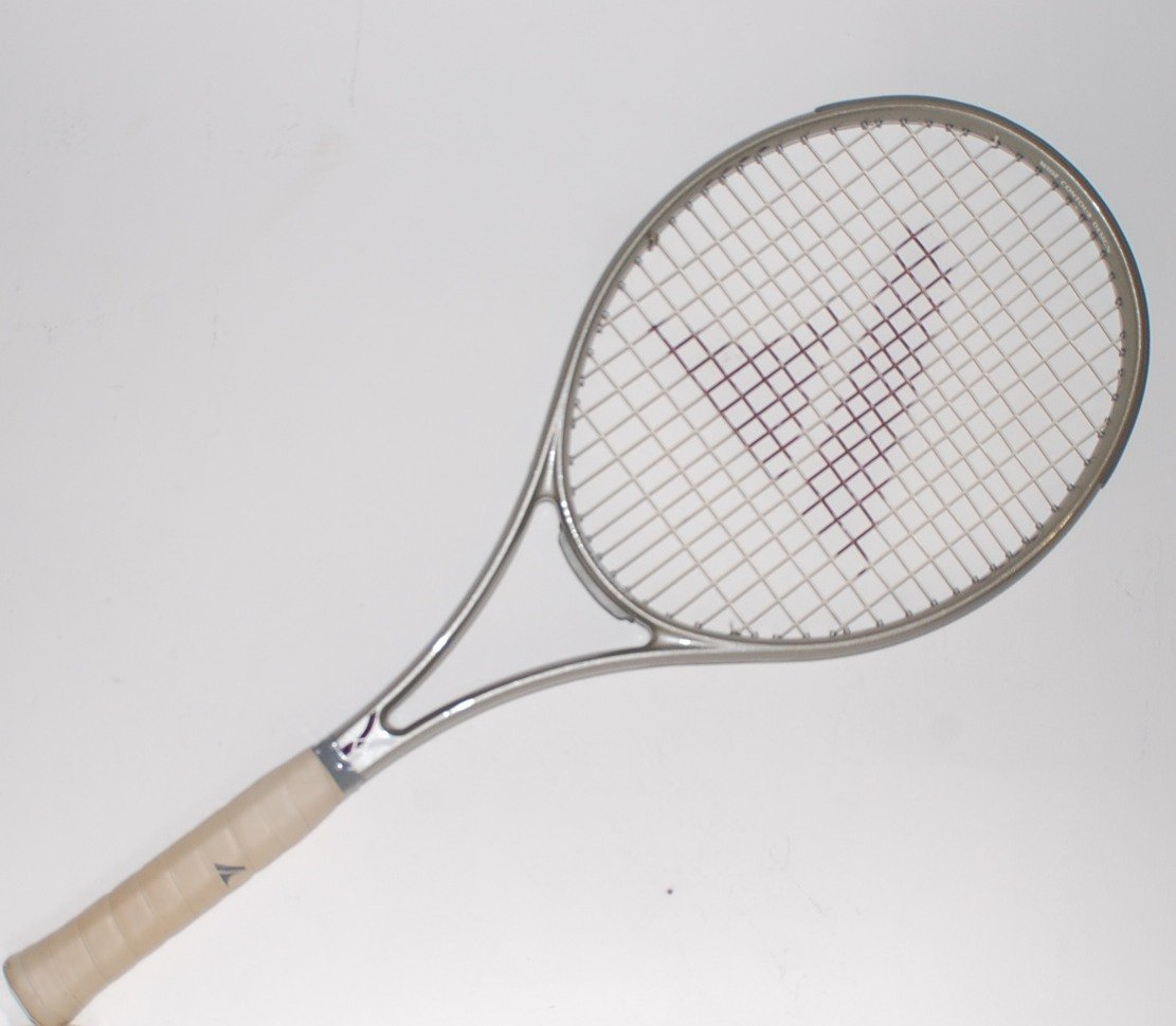Pro Kennex  Graphite Futura Tennis Racquet 4-1/2 L with full case (SN PKG19)