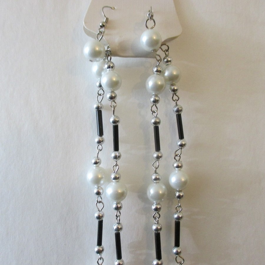 White Glass Pearl Fashion Necklace w/ Earrings