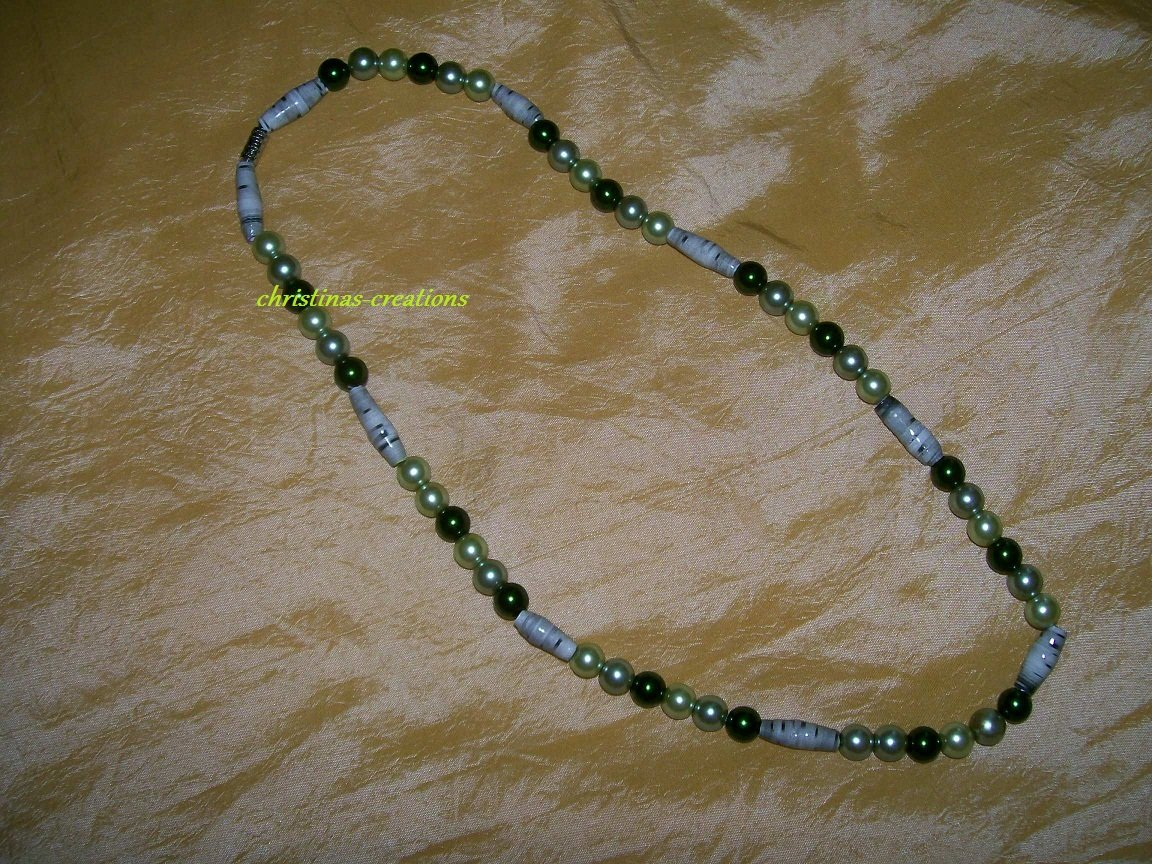 Green Beaded Necklace 18in