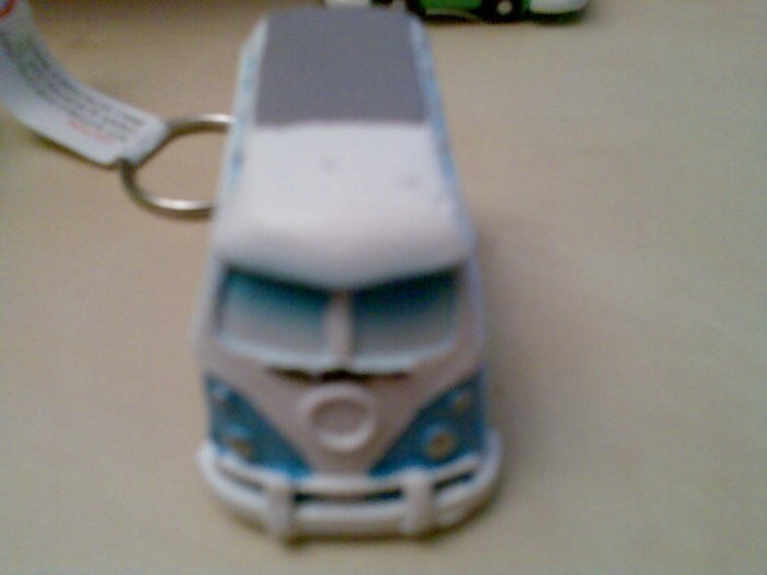 ONE BLUE ORNAMENTAL CAMPER VAN CAMPERVAN KEYRING NEW