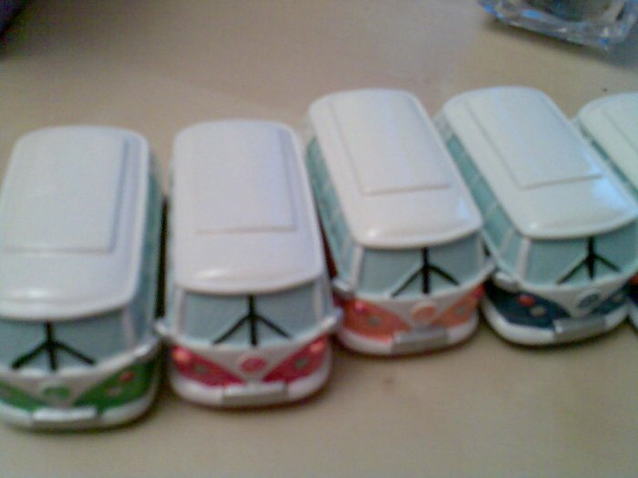 SET OF 6 COLLECTABLE MINITURE VOLKS WAGON CAMPER VANS