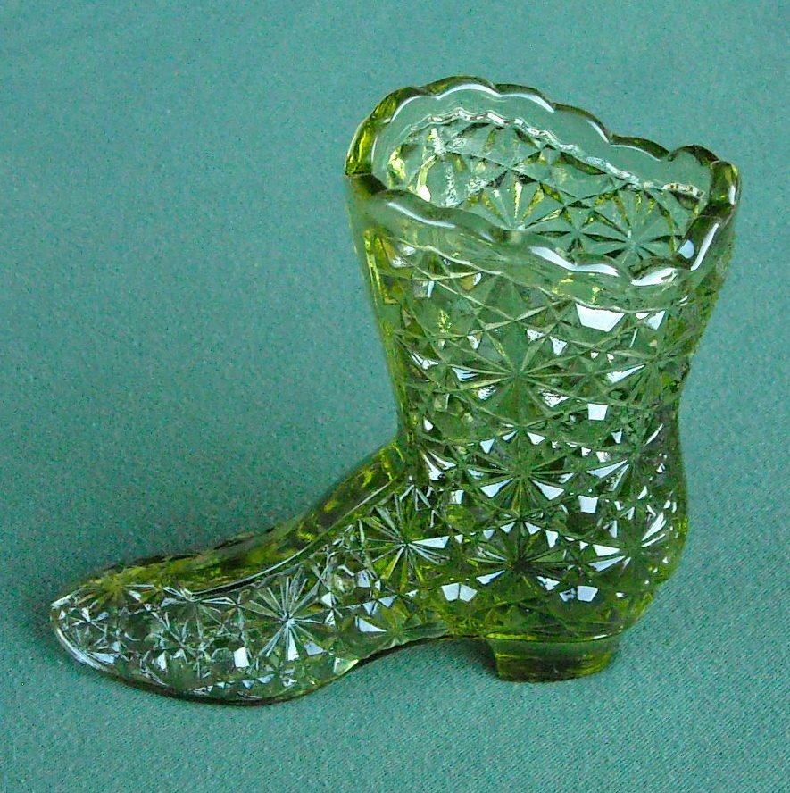 Fenton Art Glass Colonial Green Vintage Daisy Button High Shoe Boot