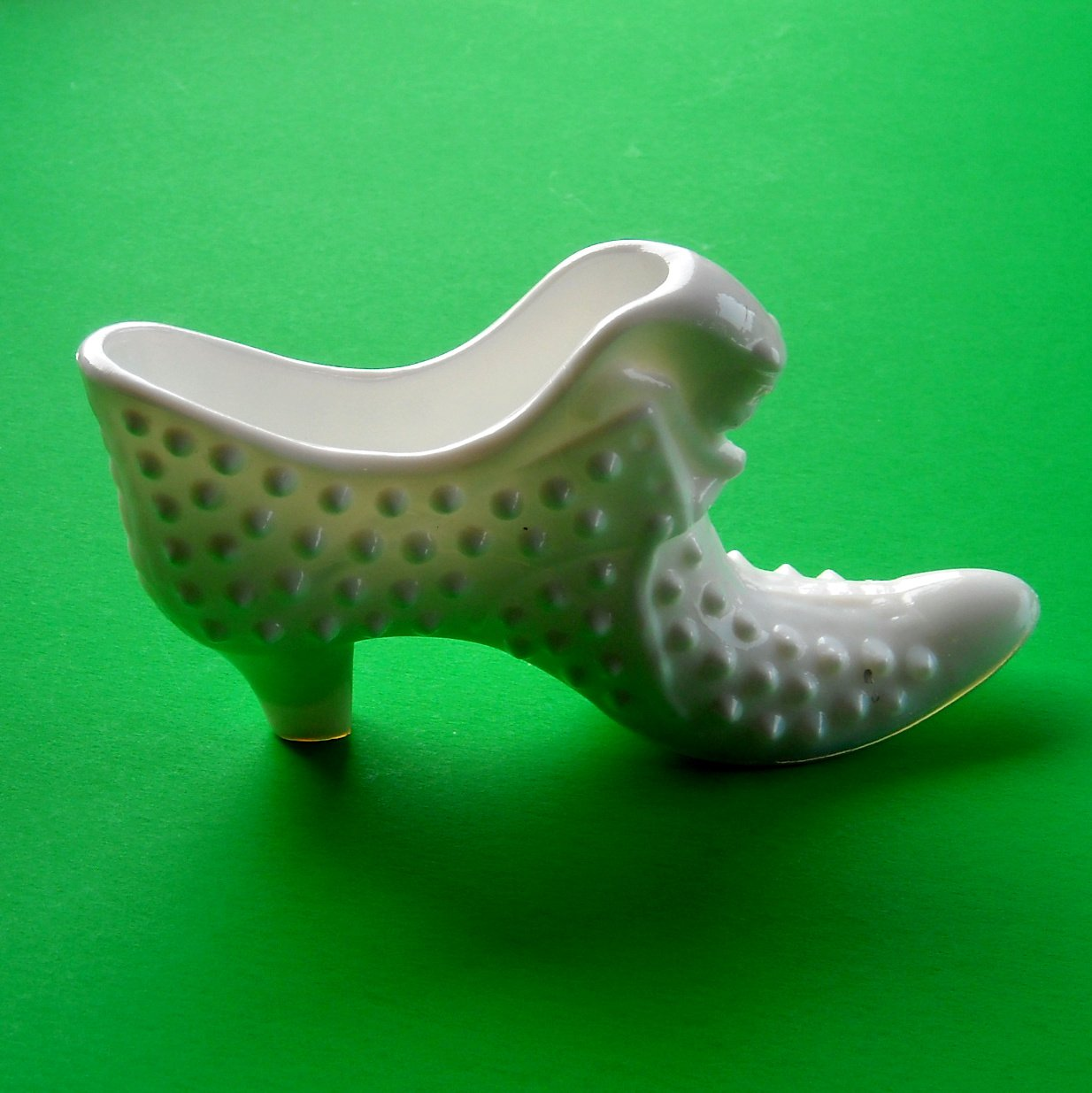 Fenton Art Glass Vintage Cat White Milk Hobnail Shoe