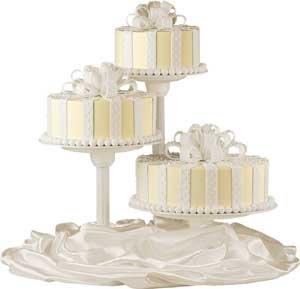 tier single use wedding cake