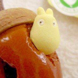 Strap Holder - Rattle - Sho Totoro & Kurosuke in Acorn - Ghibli - 2007 (new)