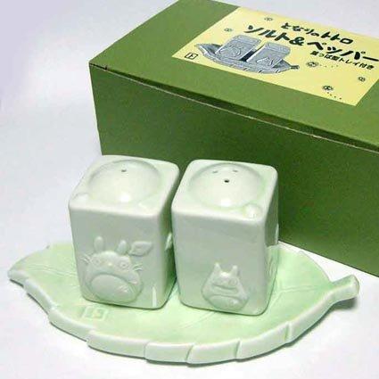 SOLD- Salt & Pepper Shaker on Leaf Tray -Porcelain- Totoro - made in japan- outprodution(new)