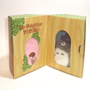 Plush Doll & Mini Towel in Tree - Gift Set - Mei Embroidered - pink - Totoro - Ghibli - 2009 (new)