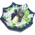 1 left- Floating Figure - Porcelain - Totoro & Chu & Sho & Kurosuke on Umbrella- no production(new)