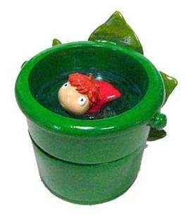 2 left - Figure Container - Ponyo & Starfish in Bucket - 2008 - out of production (new)