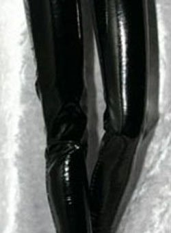 "Super Low-Rise Vinyl Pants for 16"" Robert Tonner Doll"