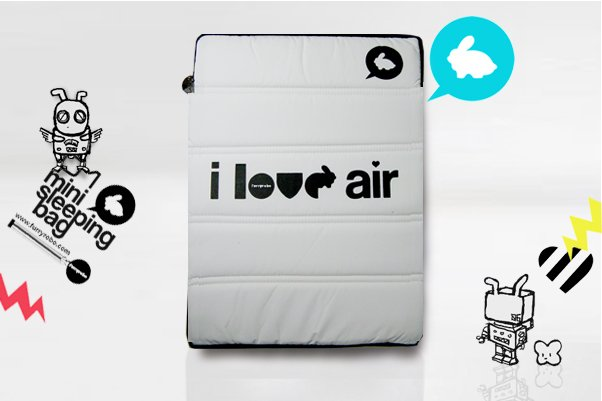 "Furryrobo 'I LOVE AIR' LIMITED EDITION AIR BAG (WHITE) (11""-13"")"