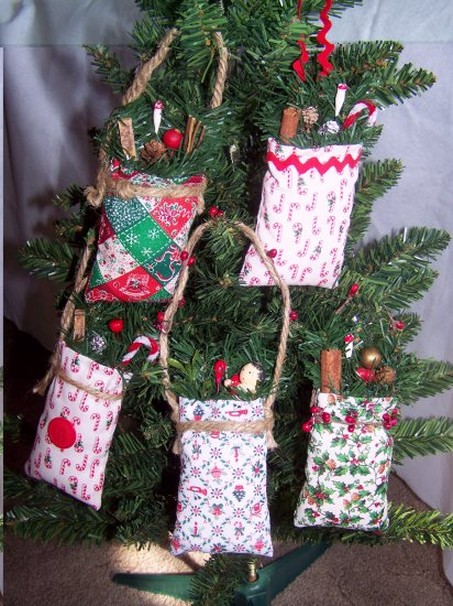 5 Vintage Fabric Country Christmas Tree Ornaments Ornament Set
