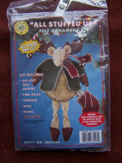 New Felt Christmas Ornament Craft Kit 63117 Mr Moose Country Tree Penny S&H