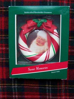 1989 Vintage Hallmark Keepsake Christmas Photoholder Ornament Sweet Memories