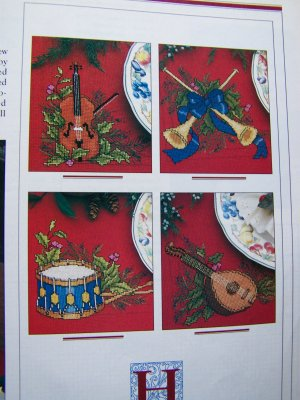 Hark Christmas Ornament Cross Stitch Pattern