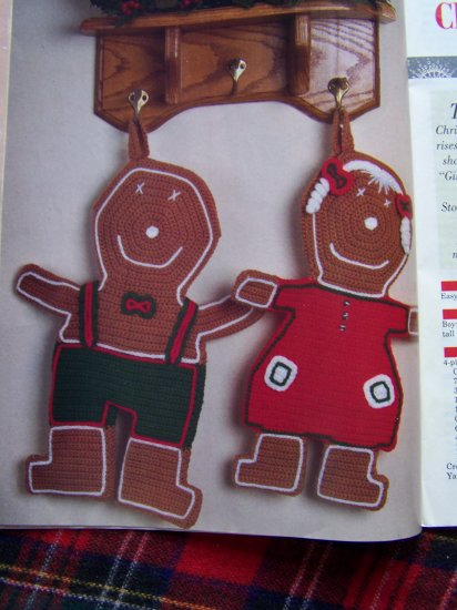 Christmas Crochet Patterns Gingerbread Snowman Pants Stocking Dolls Tree Skirt Scotty Dog