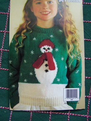 FREE KNITTING PATTERNS: American Girl Doll Crew Neck Sweater