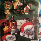 Free Shipping US Christmas Cats Plastic Canvas Patterns 3158 Kittens Cat