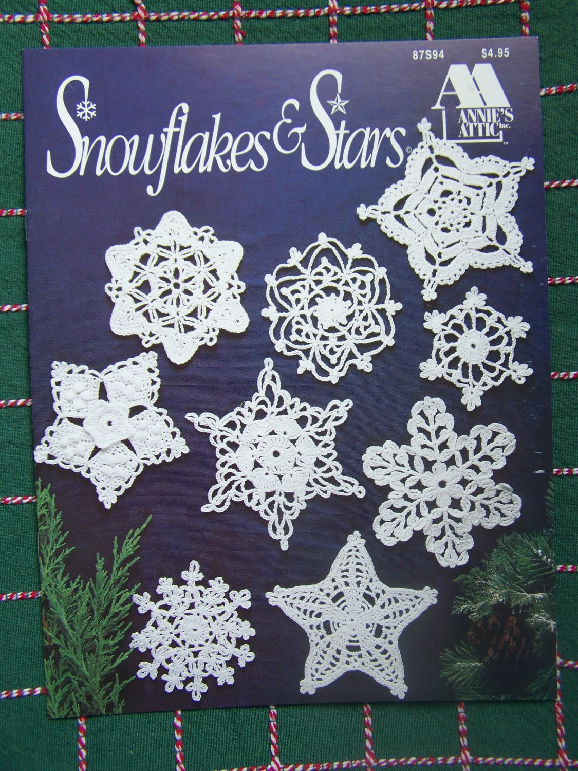 S&H Free USA 18 New Annie's Thread Crochet Christmas Ornaments 12 Snowflakes 6 Stars 87S94