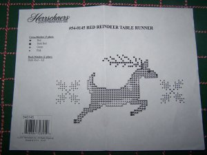 New Herrschners Stamped Embroidery Cross Stitch Reindeer Christmas Table Runner