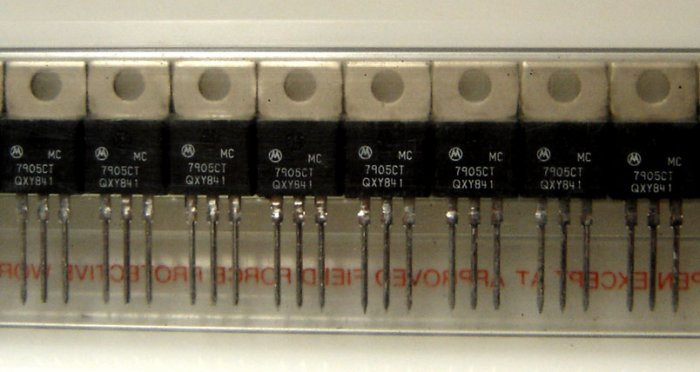 MC7905CT/7905/7905CT Motorola Voltage Regulator - 5 Pcs