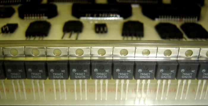 MC7906CT / L7906CT Motorola/TI Original Voltage Regulator - 5 Pieces