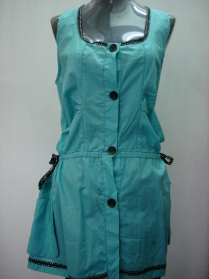 Sleeveless buttoned dress