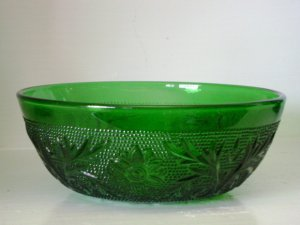 Vintage Anchor Hocking Forest Green Sandwich Pattern Berry Bowl