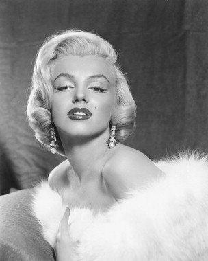 "New Glossy Marilyn Monroe in White Fur B/W Photo 8"" x 10"""