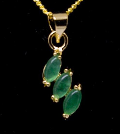 18K Gold Jade Three Leaf Pendant Necklace