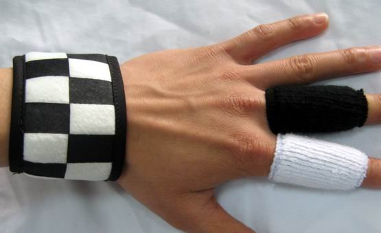 "Kingdom Hearts II ""Roxas Wristband & Fingerbands"" Cosplay Set"