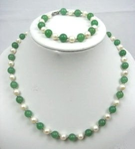 Genuine Freshwater Pearl & Green Jade Necklace Bracelet Earrings Set