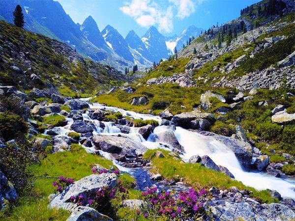 Austrian Mountains - 3,000 piece Ravensburger puzzle - for Ages 12+