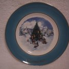 "AVON CHRISTMAS PLATE 1978 ""TRIMMING THE TREE"""