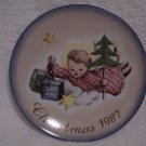 "Hummel>Berta>Schmid>1987 Christmas Collector's Series Plate ""Angelic Gifts"""