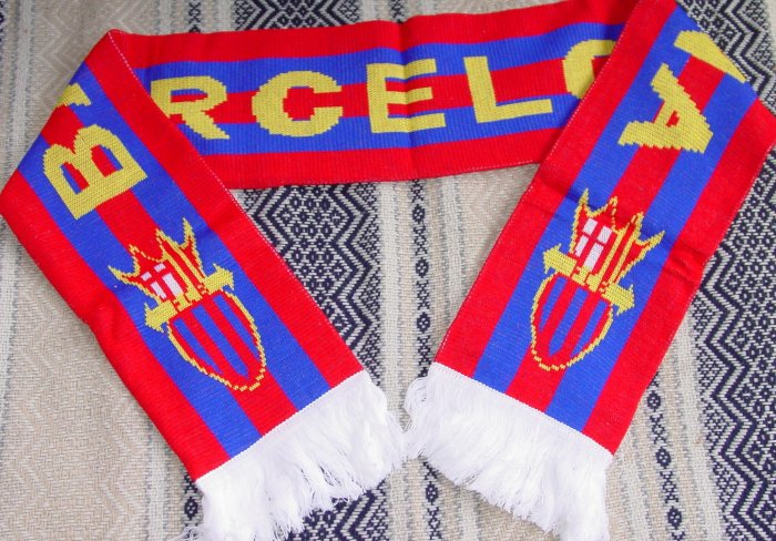 FC BARCELONA TEAM/CLUB SCARF SOCCER- WE SHIP USPS