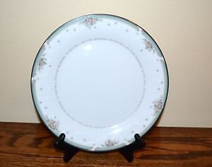 Noritake China Greenbrier Dinner Plate Floral