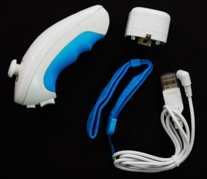 WII WIRELESS NUNCHUCK W/USB CHARGER