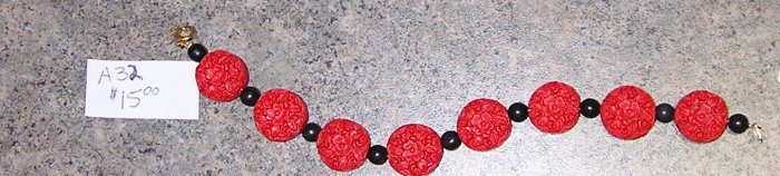 A32-Red and Black Oriental Motif Beaded Bracelet